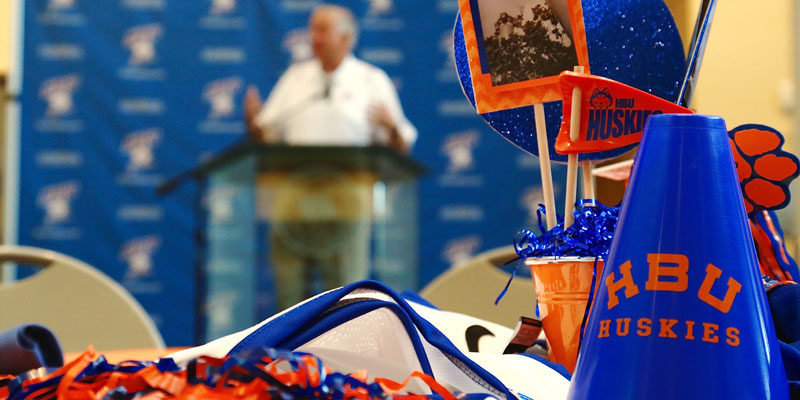 Houston Baptist University Launches New Scholarship Program with Raise.Me