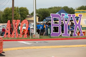 AXO_BYX_Tailgate